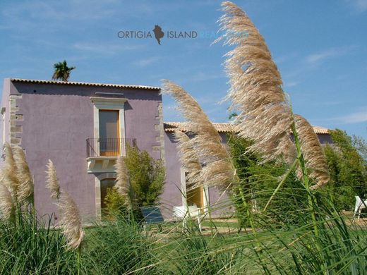 Country House in Syracuse, Sicily