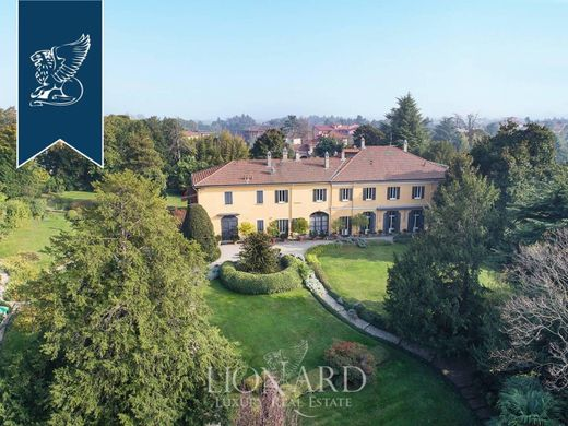 Paderno d'Adda: Villas and Luxury Homes for sale ...