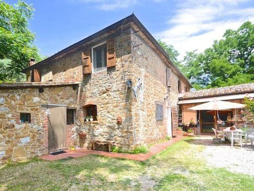 Country House in Trequanda, Province of Siena