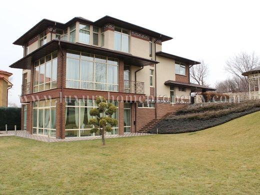 Oryginał Luksusowe Domy Ukraina sprzedaż - Prestiżowe wille i apartamenty VH95