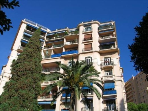 Apartment / Etagenwohnung in Moneghetti, Alpes-Maritimes
