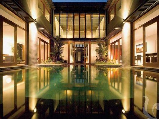 Luxury Home In Bangkok