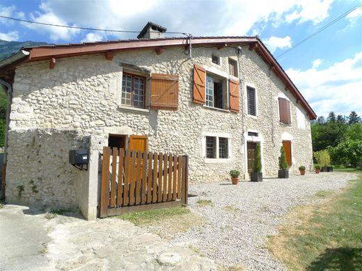 Grenoble Immobilier De Luxe Et Villas En Vente Proprietes De Prestige A Grenoble Luxuryestate Com