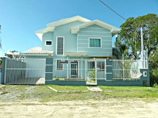 Luxury home in Bombinhas, Estado de Santa Catarina
