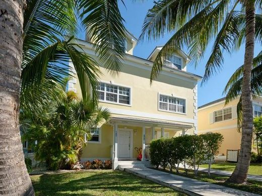 Townhouse in Paradise Island, New Providence District