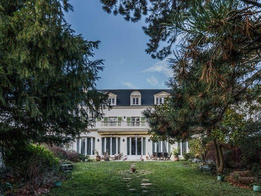 Mansion in Le Pecq, Yvelines
