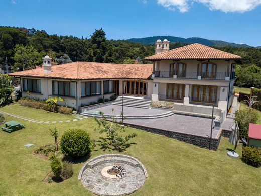 Luxury home in San Rafael, Provincia de Heredia