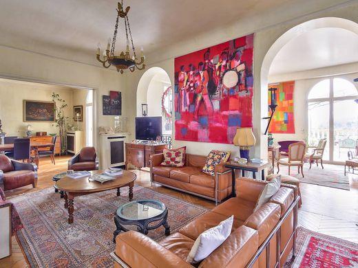 Saint Germain En Laye Villas And Luxury Homes For Sale