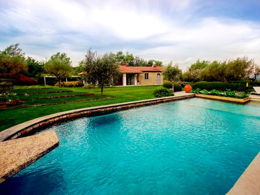 Case Toscane Arezzo : Arezzo ville e case di lusso in vendita immobili di prestigio a