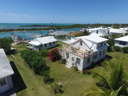 Detached House in Spanish Wells, Harbour Island District