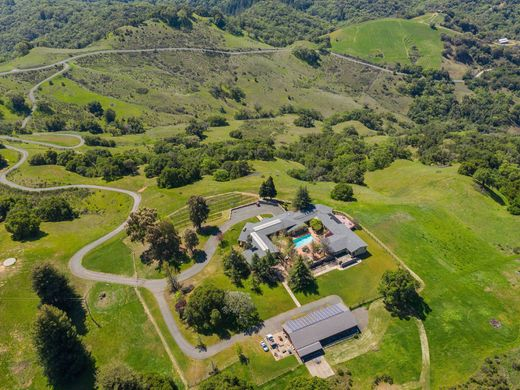 Detached House in Cloverdale, Sonoma County