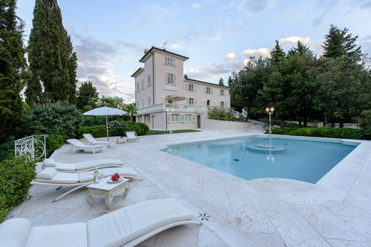 Luxury home in Montespertoli, Florence