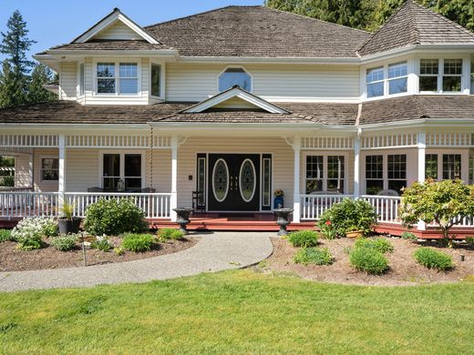 Detached House in South Surrey, British Columbia