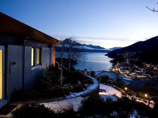 Detached House in Queenstown, Queenstown-Lakes District