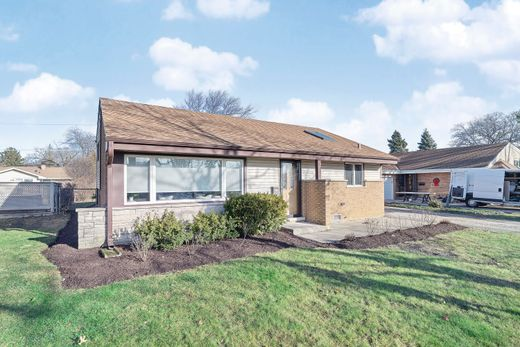 Detached House in Morton Grove, Cook County