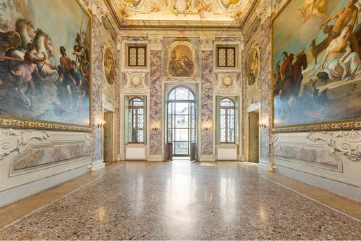 Appartement in Verona, Provincia di Verona