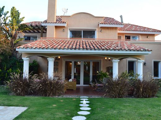Detached House in Punta del Este, Maldonado