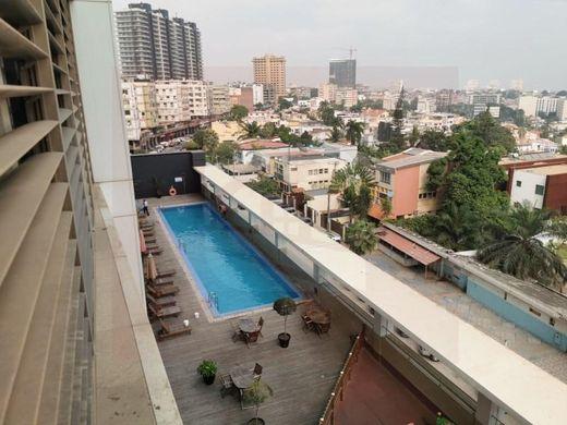 Mädel Luanda