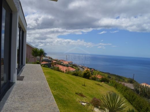 Luxury home in Estreito da Calheta, Calheta
