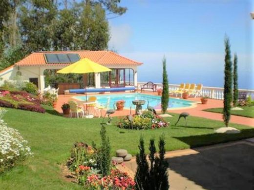 Luxury home in Prazeres, Calheta