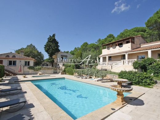 Luxe woning in Le Val, Var