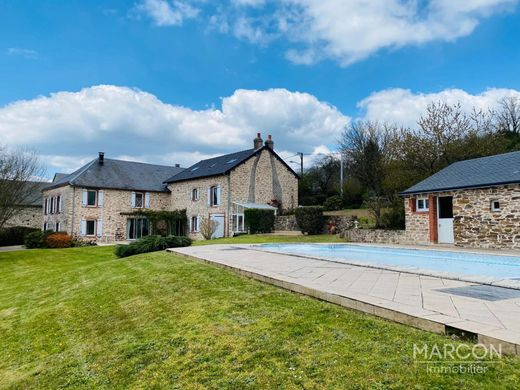 Luxury home in Dun-le-Palestel, Creuse