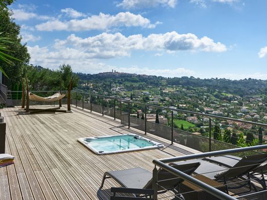 Luxury home in La Colle-sur-Loup, Alpes-Maritimes