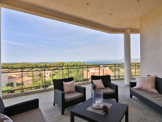 Luxe woning in Le Brusc, Var