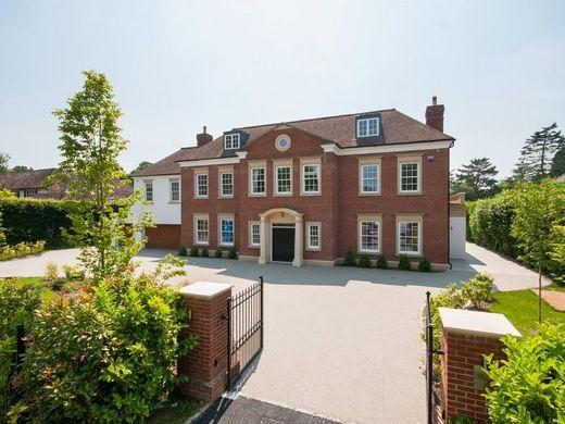 Luxury Home In Kingswood, Surrey
